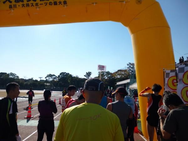品川・大井スポーツの森大会 ハーフスタート前の画像