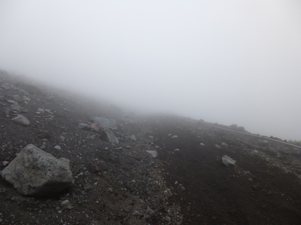 御殿場ルート6合目付近の濃霧